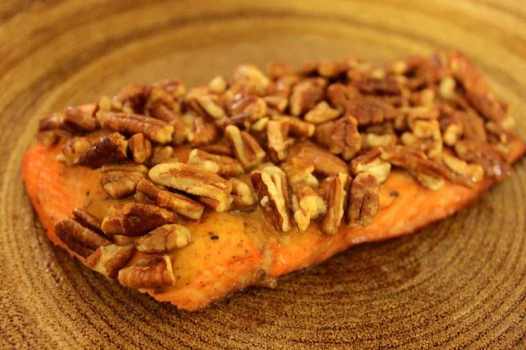 Maple Pecan Salmon by @JesseLWellness #glutenfree