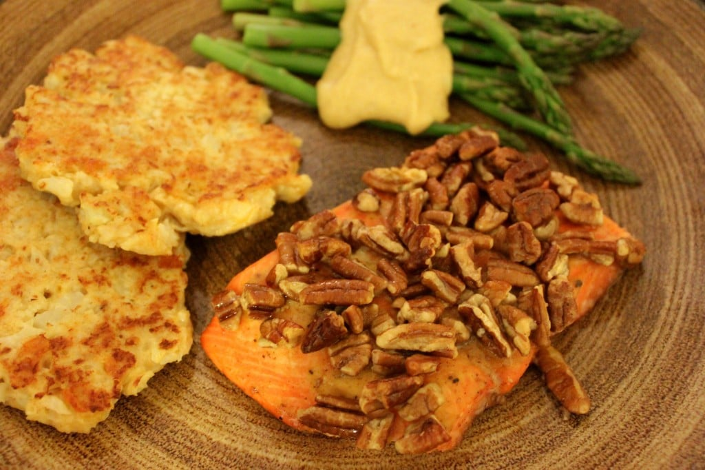 Maple Pecan Salmon by @JesseLWellness #salmon