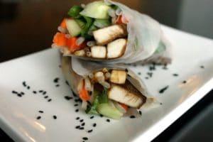 Thai Rice Wraps with Peanut Sauce by @JesseLWellness #ricewraps