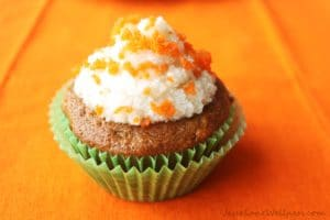 Carrot Cake Cupcakes by @JesseLWellness #coconutoil