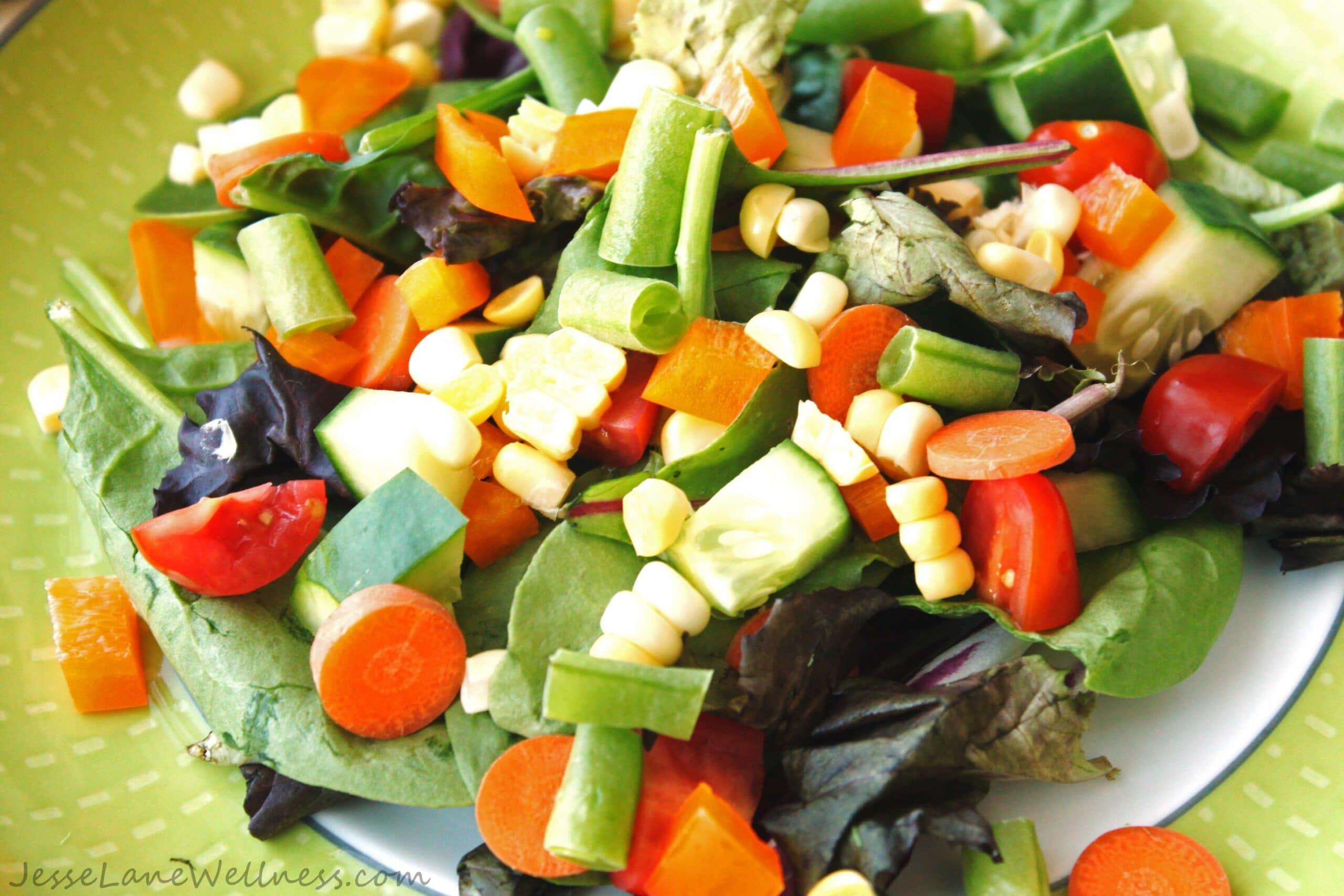 Farmer's Market Ranch Salad by @JesseLWellness #ranchsalad