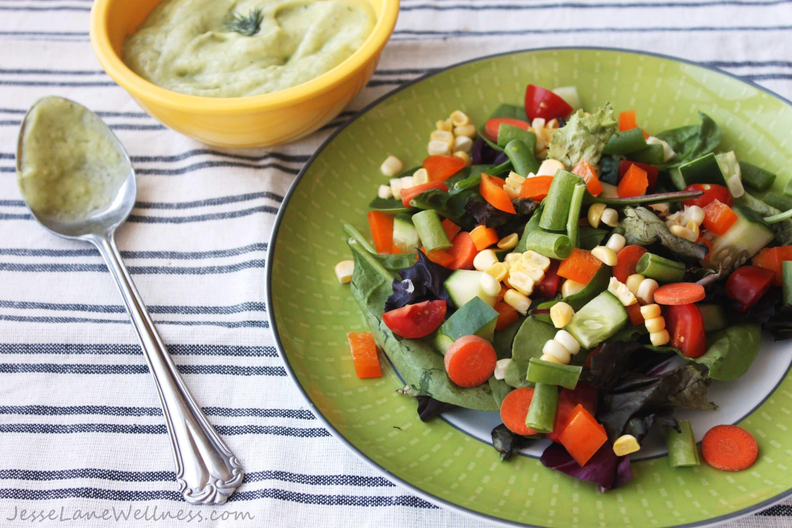 Farmer's Market Ranch Salad by @JesseLWellness #vegan