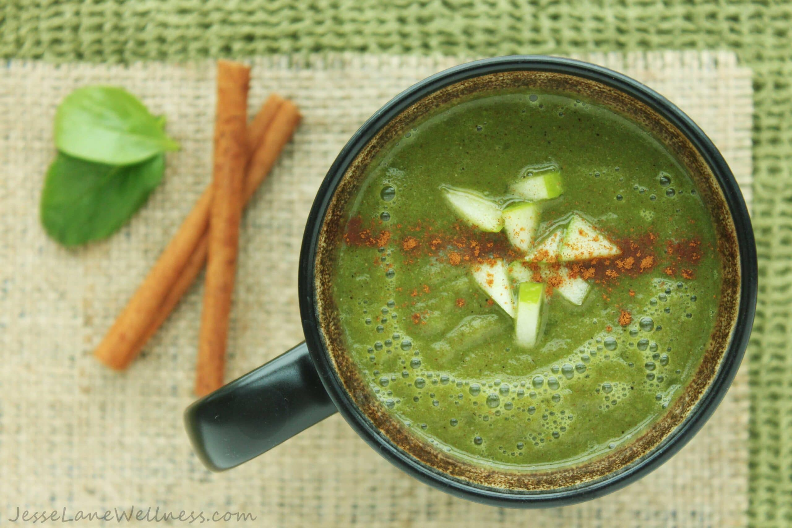 Hot Apple Cider Smoothie by @JesseLWellness #smoothie