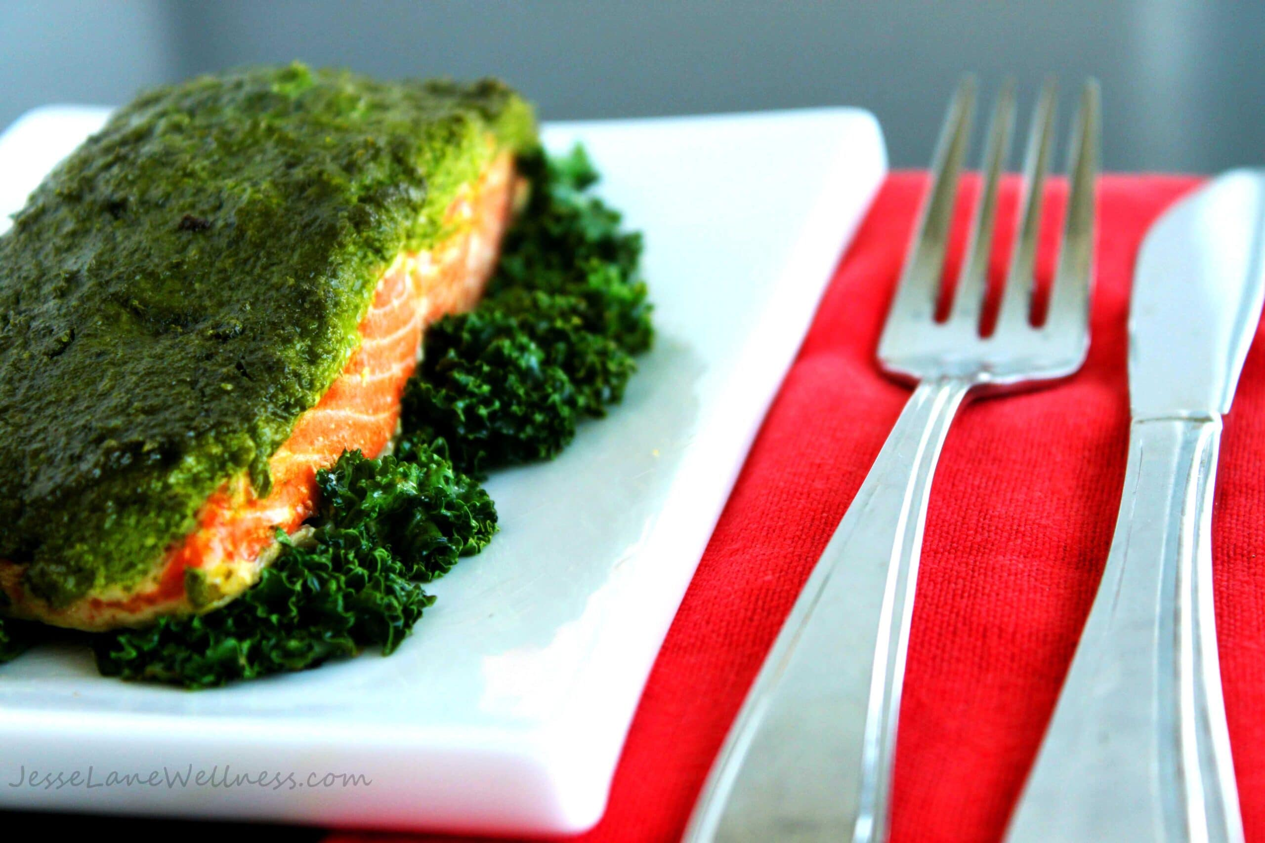 Kale Oregano Pesto Salmon by @JesseLWellness #dairyfree