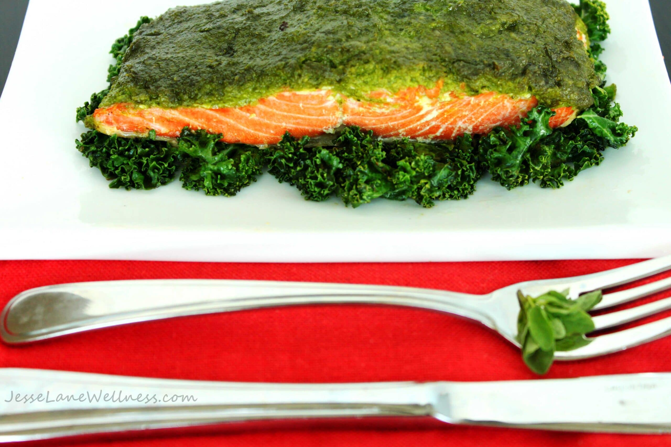 Kale Oregano Pesto Salmon by @JesseLWellness #glutenfree