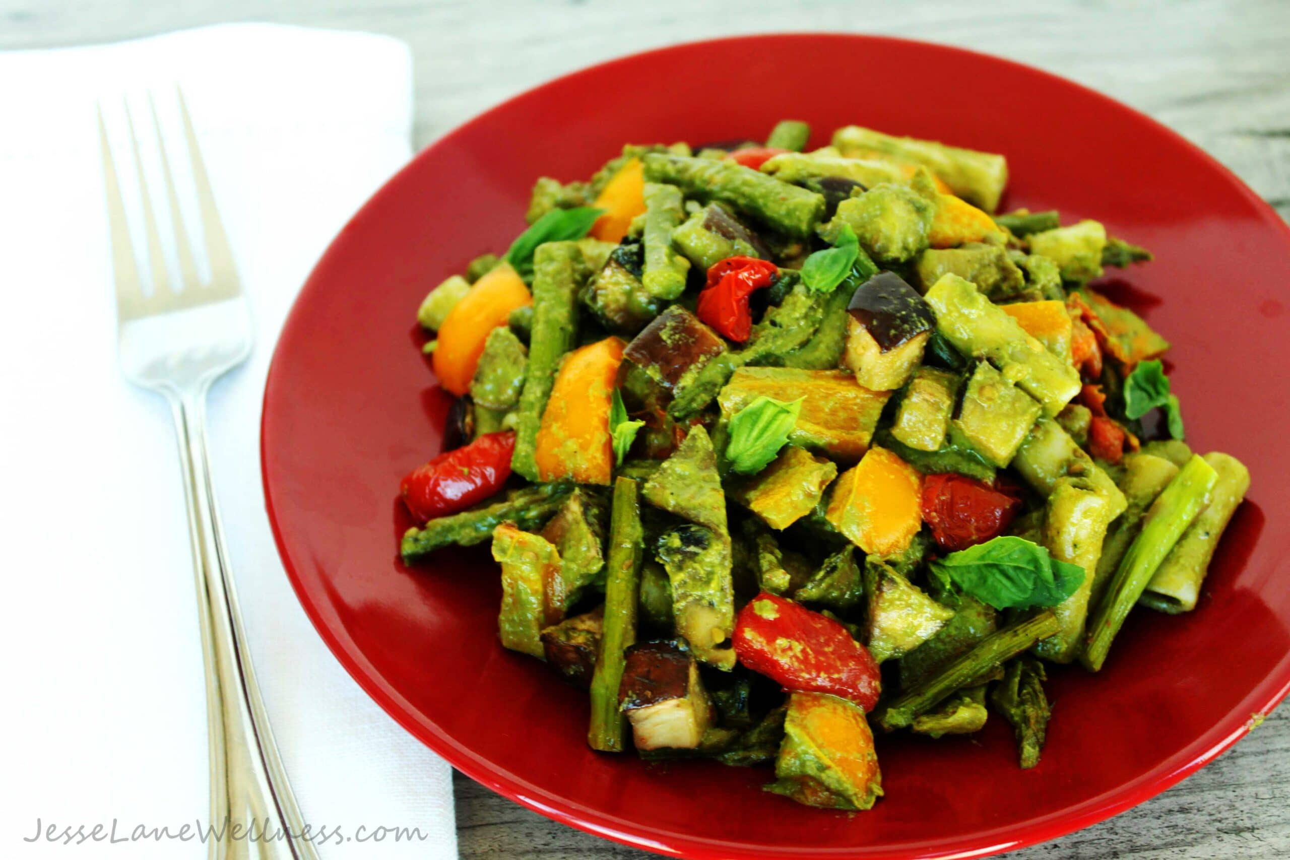 Pesto Primavera with Roasted Veggies by @JesseLWellness #pasta #glutenfree #pestopasta