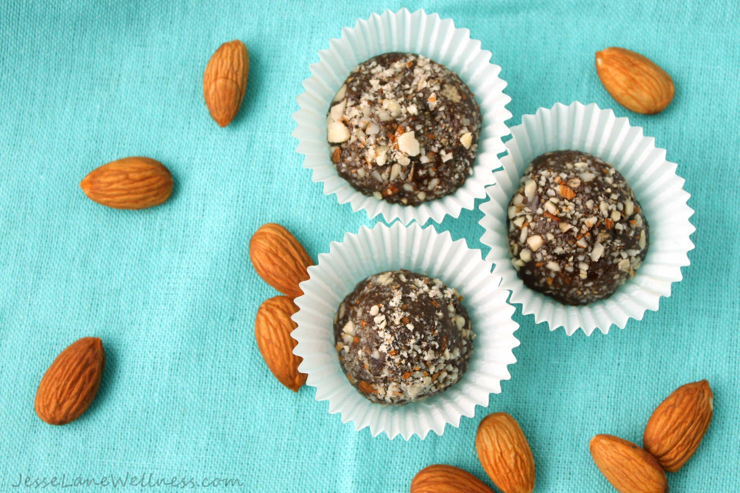 Vanilla Almond Protein Truffles by @JesseLWellness #glutenfree