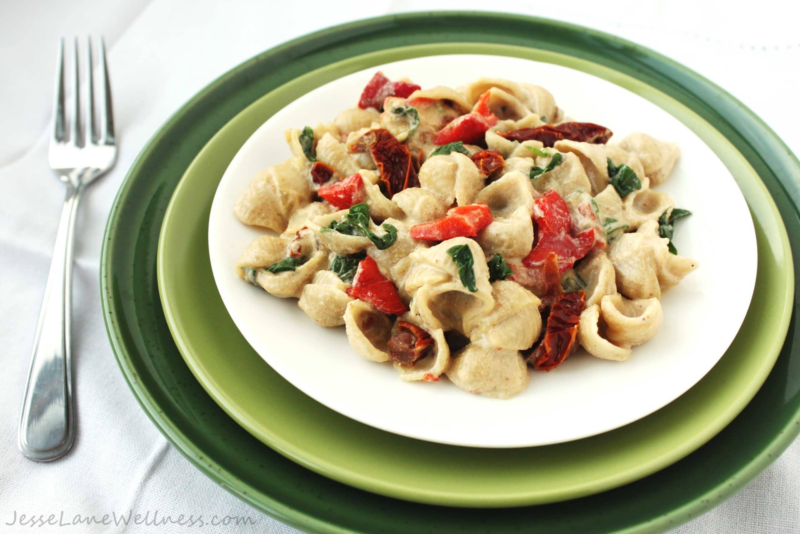Vegan Alfredo Pasta by @JesseLWellness #pasta