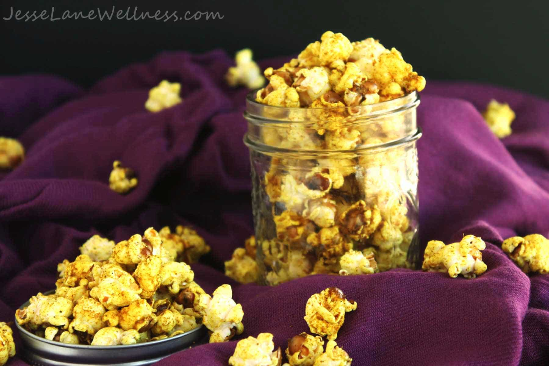 Coconut Curry Popcorn by @JesseLWellness #cocnut #popcorn