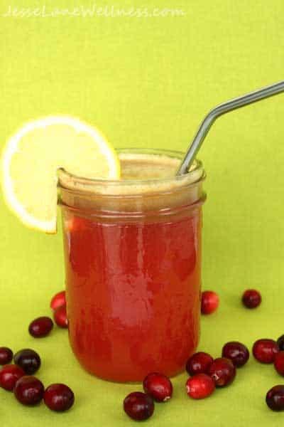 Cranberry Apple Detox Juice by @JesseLWellness #detox #cranberry