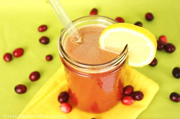 Cranberry Apple Detox Juice by @JesseLWellness #detox