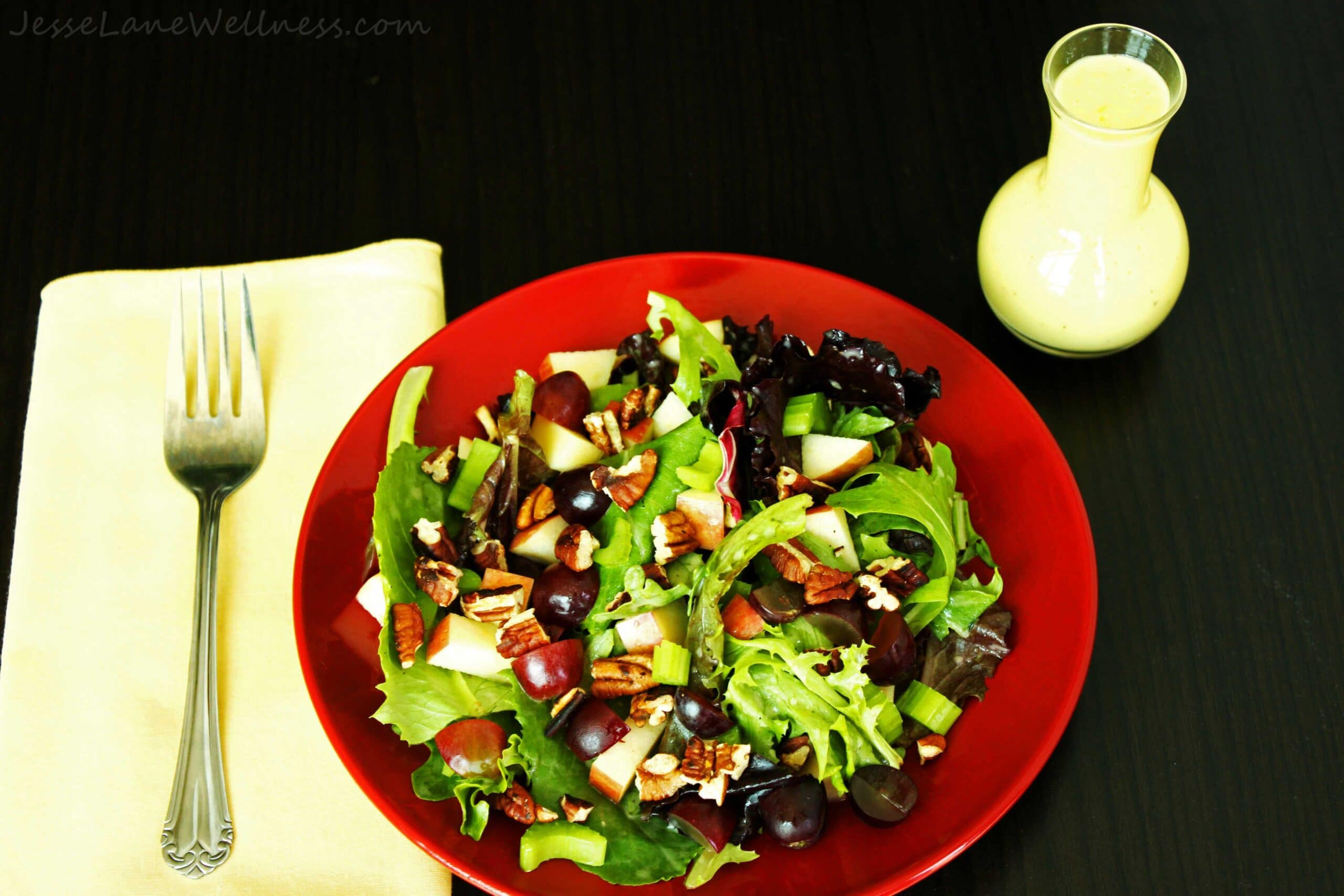 Leafy Waldorf Salad by @JesseLWellness #mayofree #glutenfree