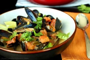 Thai Coconut Mussels by @JesseLWellness #tamari