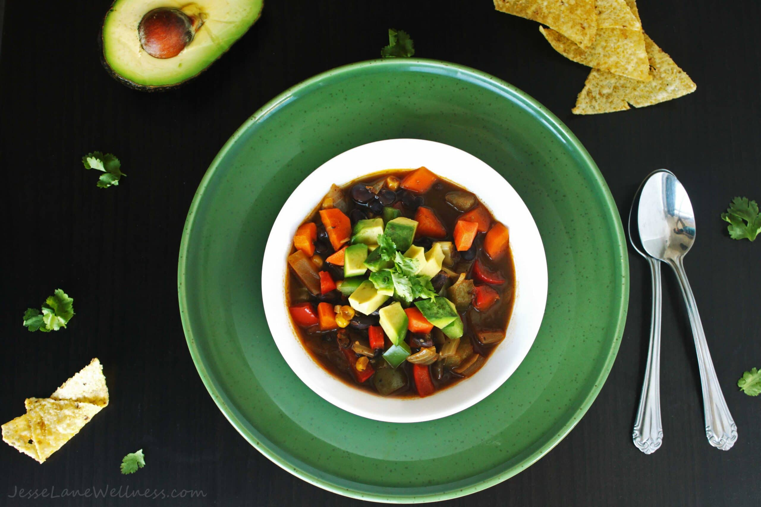 Spicy Black Bean Soup by @jesselwellness #recipe #vegetarian