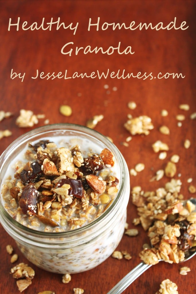 Healthy Homemade Granola by @jesselwellness #granola #homemade title
