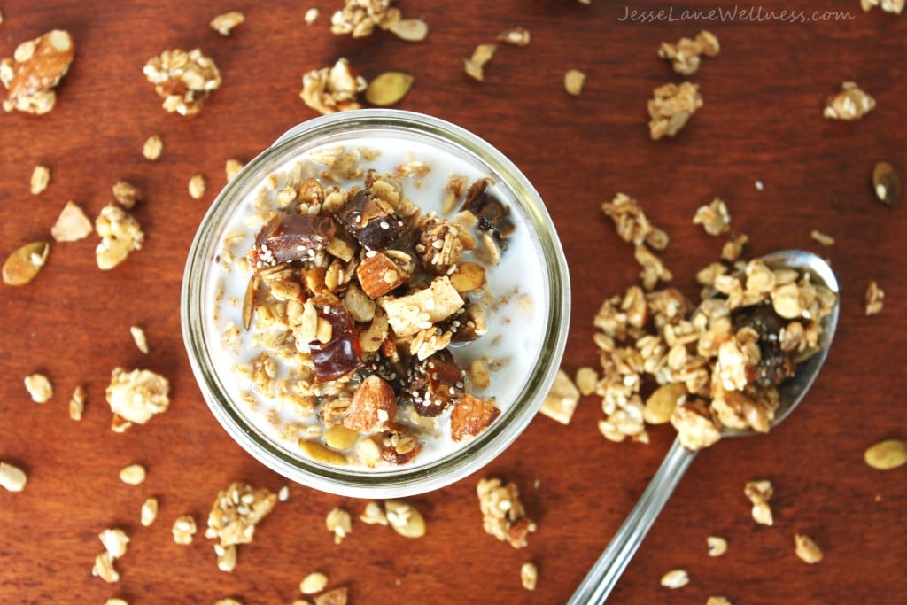 Healthy Homemade Granola by @jesselwellness #vegan #healthy