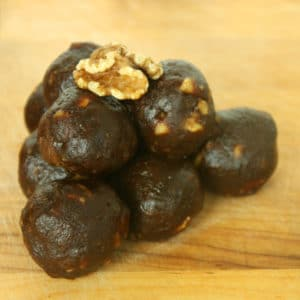 Gooey Gingerbread Protein Balls by Jesse Lane Wellness #gingerbread #vegan