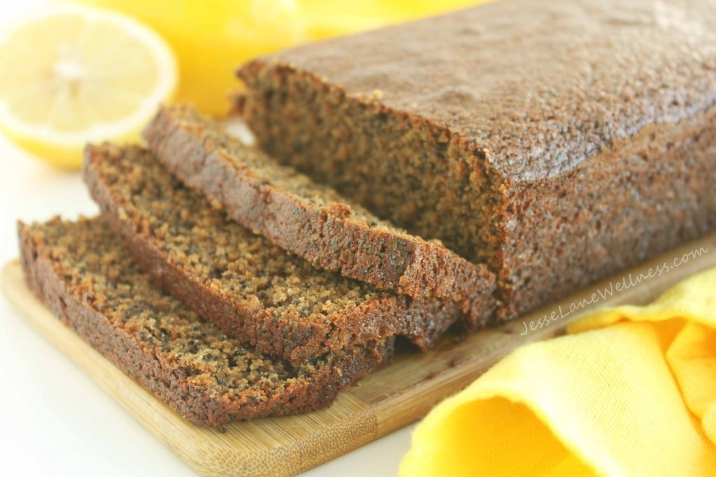 Lemon Poppy Seed Loaf by @jesselwellness #lemon #dessert