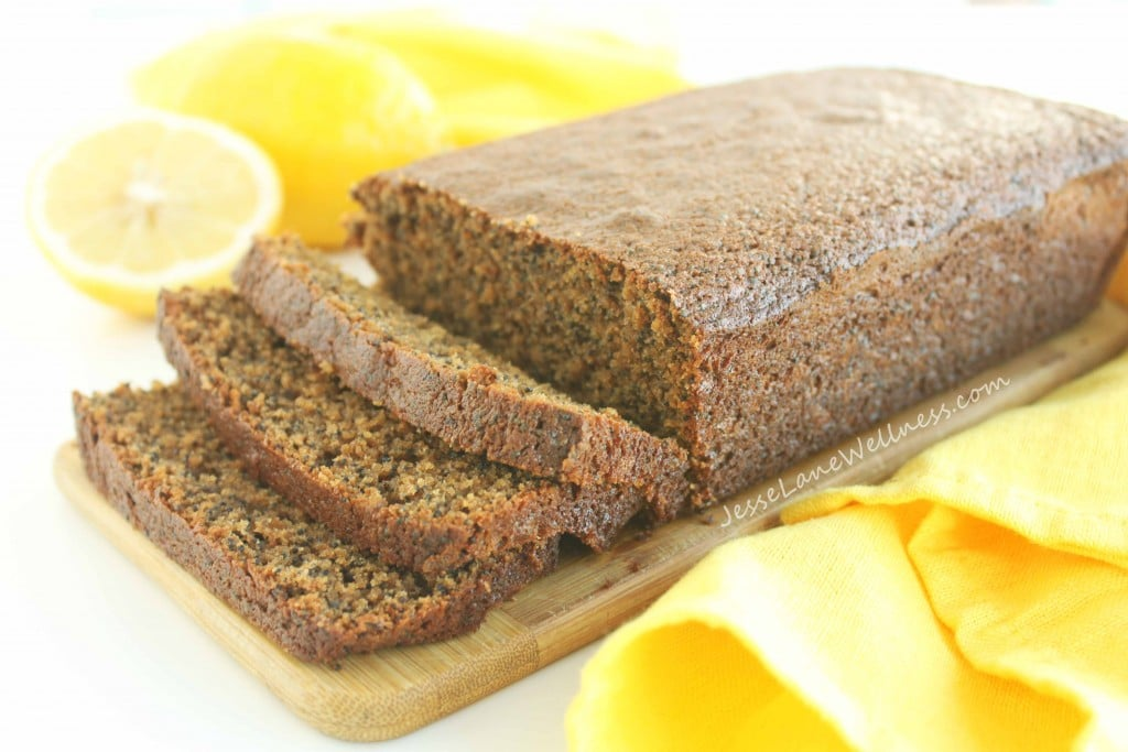 Lemon Poppy Seed Loaf by @jesselwellness #loaf #healthydessert