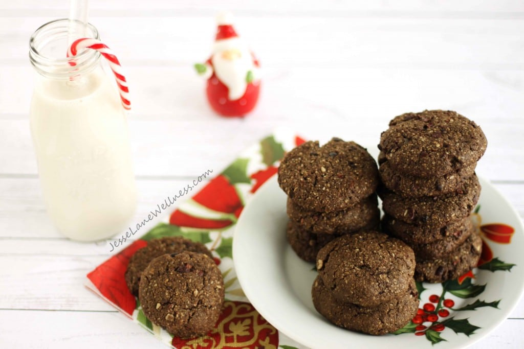 Double Chocolate Peppermint Cookies by @jesselwellness #peppermint #dairyfree