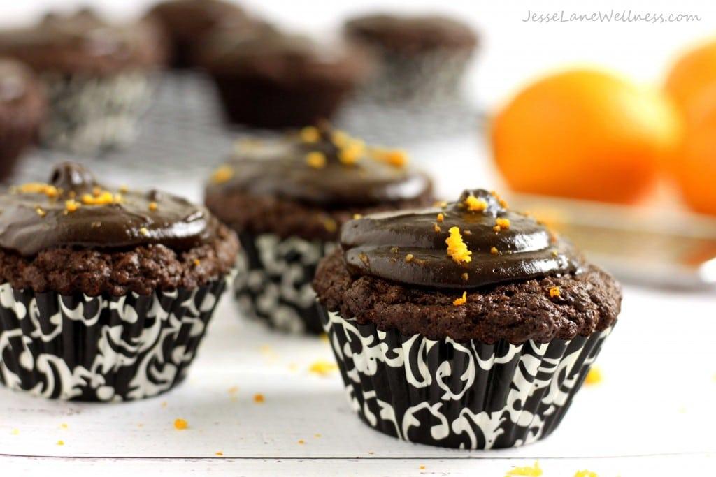 Vegan Gingerbread Cupcakes by @jesselwellness #dairyfree #dessert