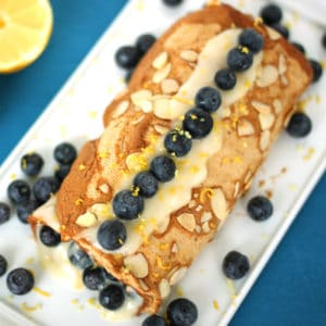 Blueberry Lemon Meringue Roulade by @jesselwellness #dessert #meringue