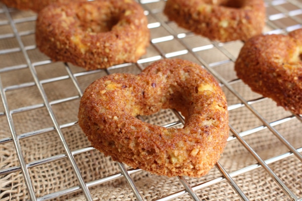 No Sugar Desserts Recipe Roundup with @jesselwellness - Grain Free Carrot Cake #carrotcake #carrot #sugarfree