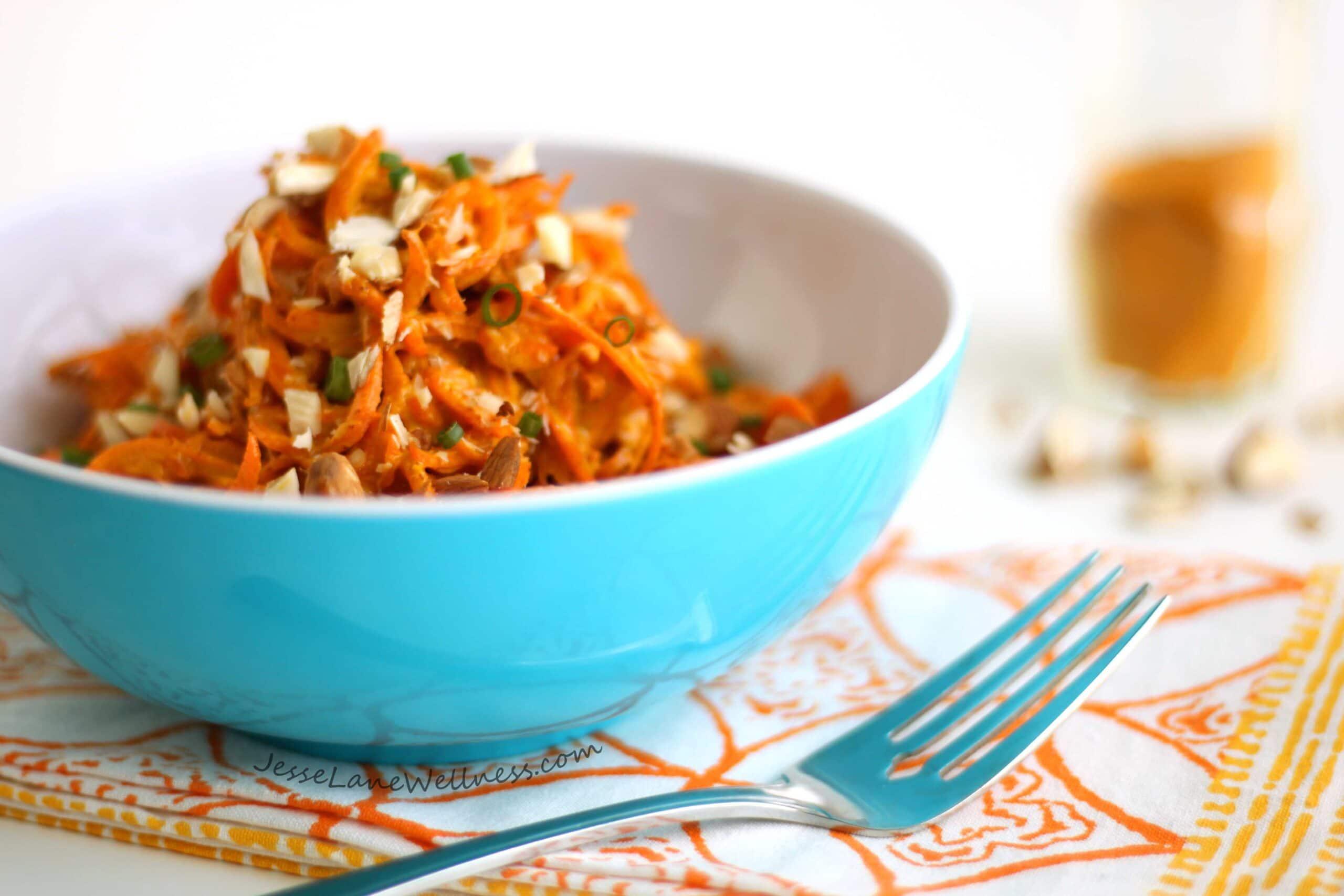 Creamy Turmeric Carrot Salad by @jesselwellness #antiinflammatory #carrot