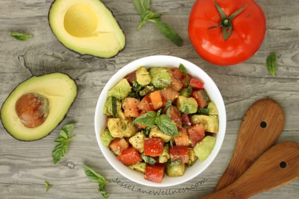 Tomato Avocado Salad by @jesselwellness #freshsalad #skincare