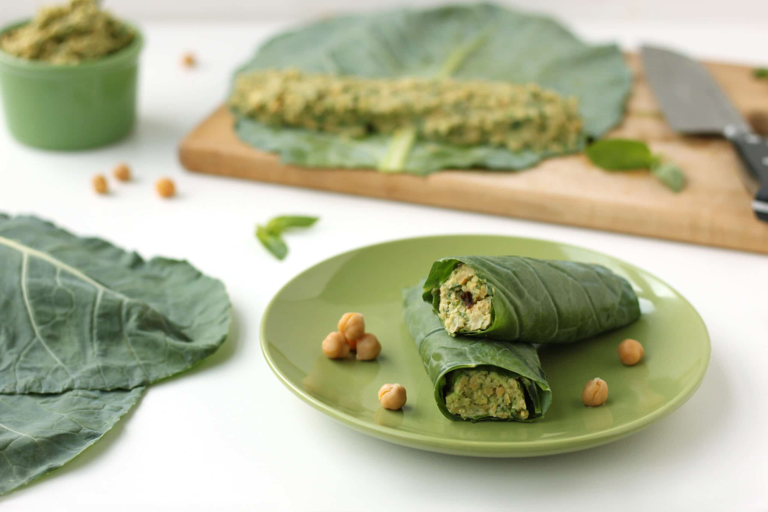 Healthy Homemade Soups & Sandwiches Smashed Chickpea Avocado Wrap by @jesselwellness #wrap #healthysandwich