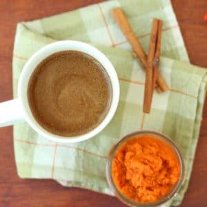 HealthyPumpkin Spice Latte by @jesselwellness #psl #pumpkinlatte