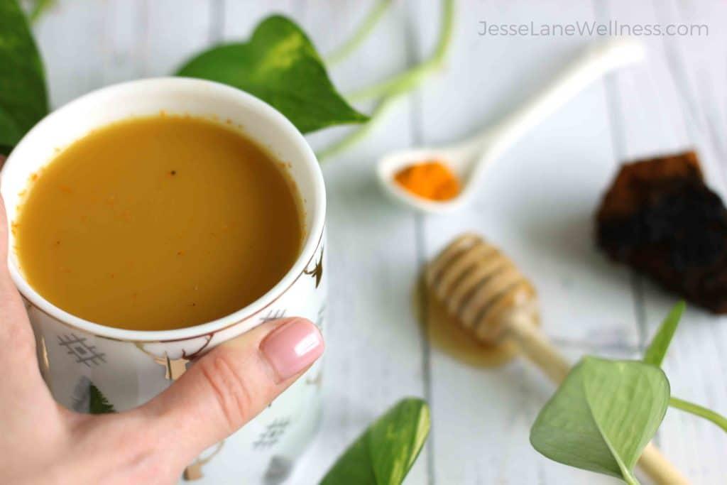 Chaga Golden Latte by @jesselwellness #chaga