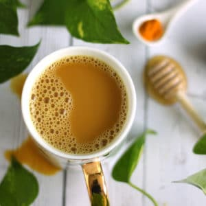 Chaga Golden Latte by @jesselwellness #chagatea