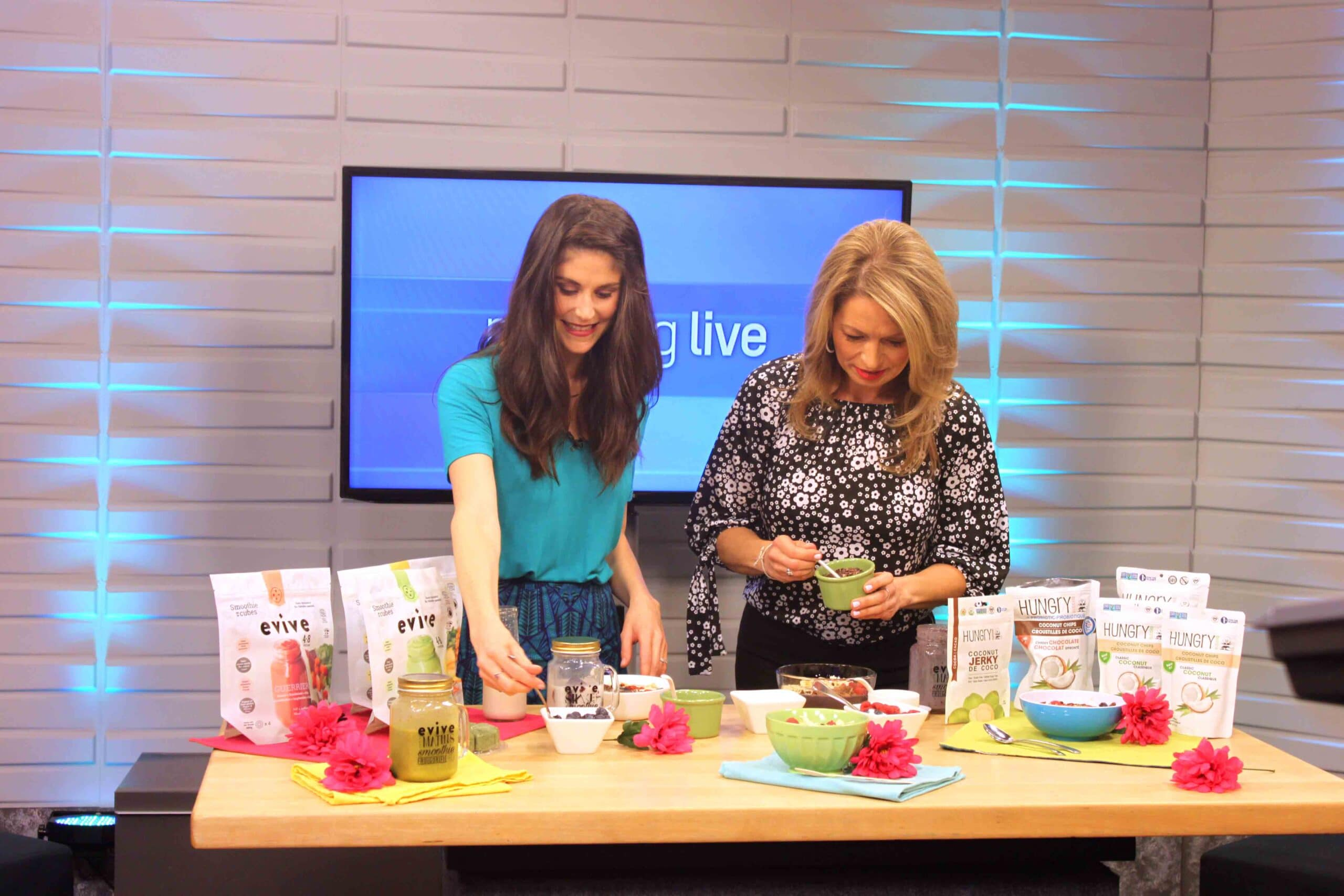 Building a Beautiful Smoothie Bowl on CH Morning Live #smoothie