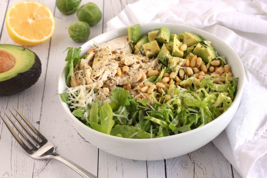 Rocket Chicken Brussels Sprout Salad by @jesselwellness #brusselssprout
