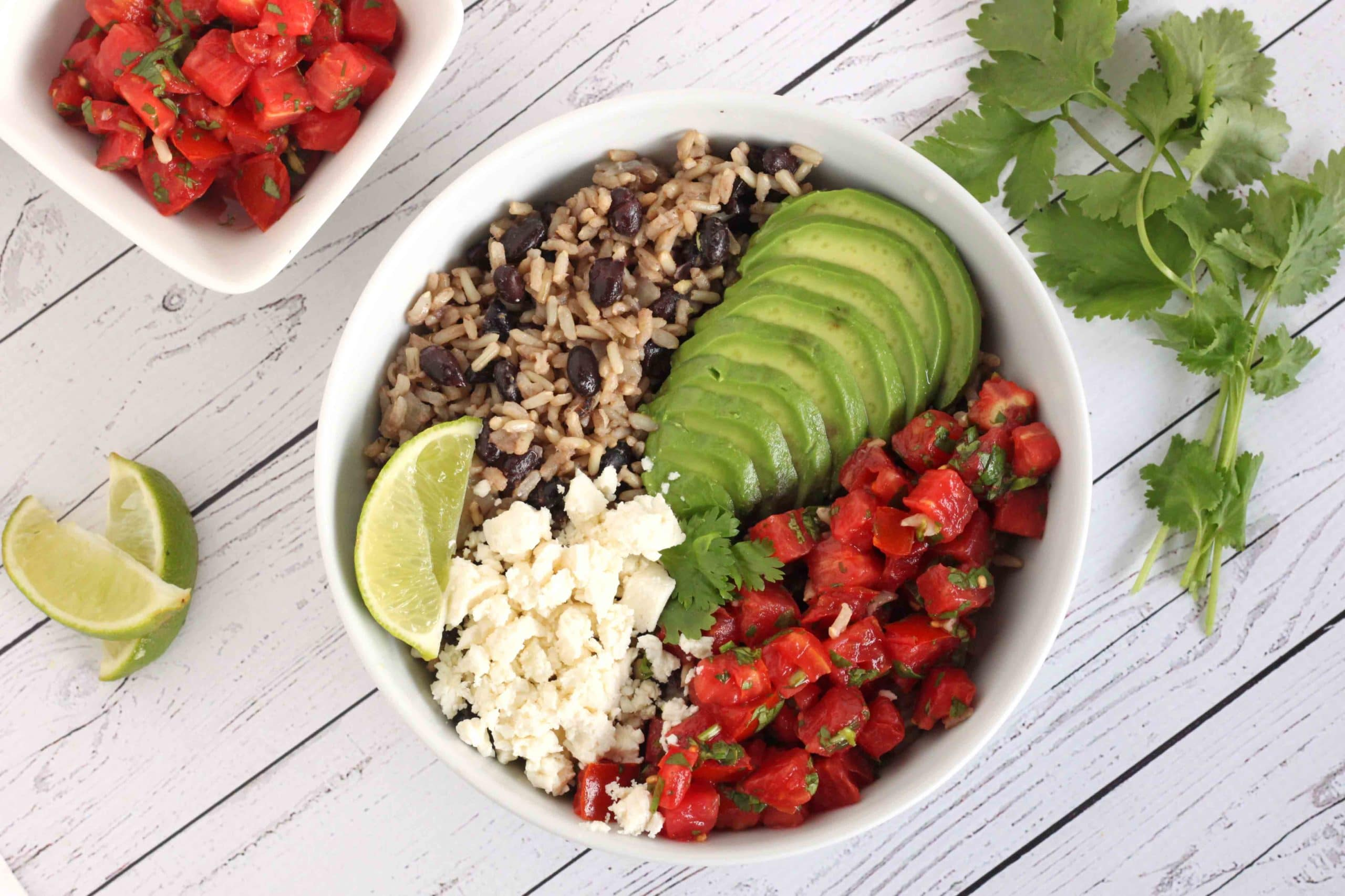 Fiesta Beans and Rice by @jesselwellness #beansandrice