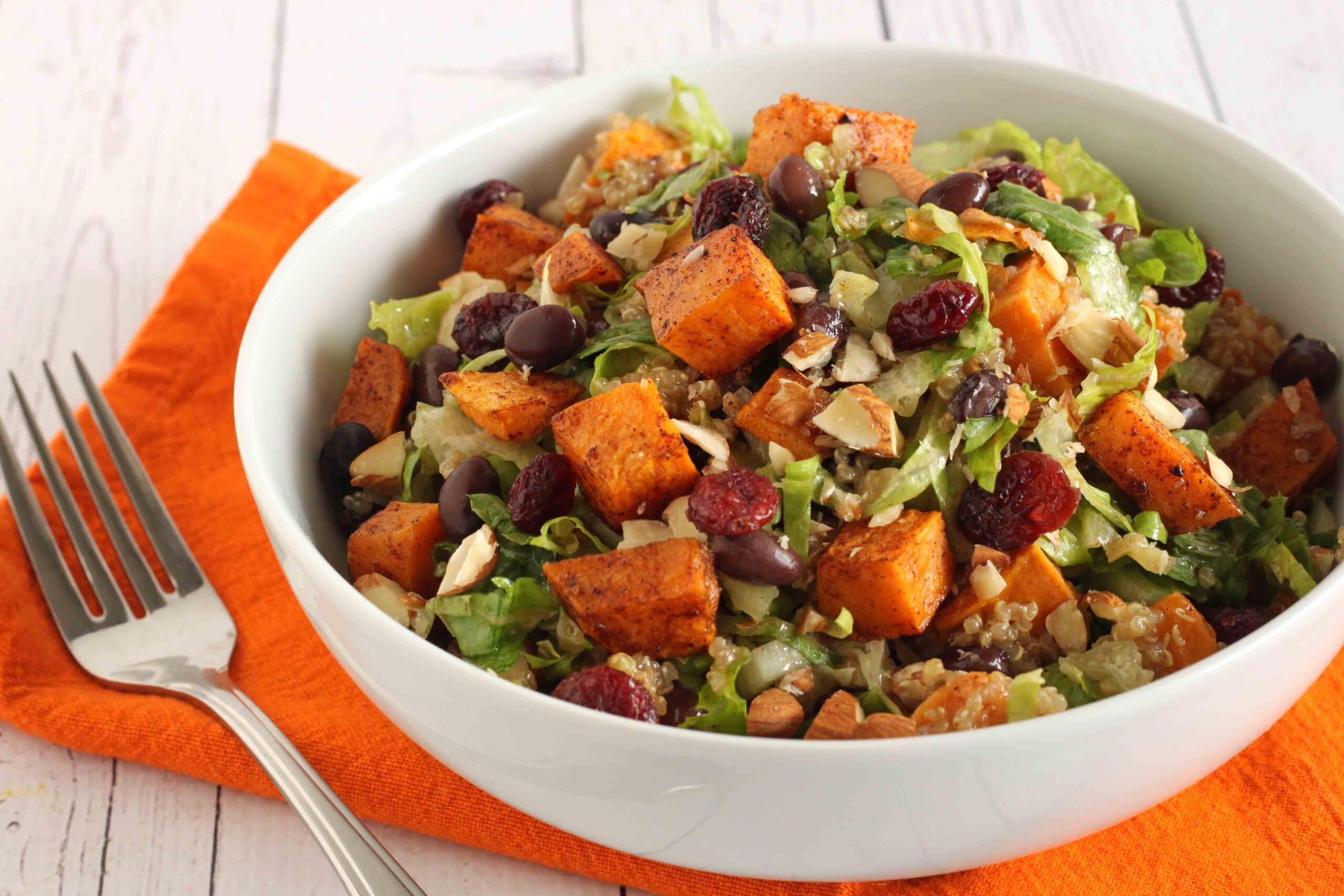 Hearty Vegan Fall Salad by @jesselwellness