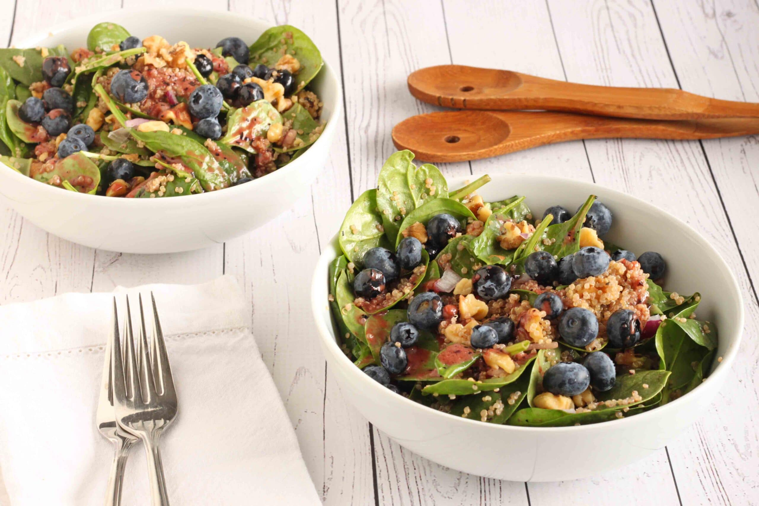 Mood Boosting Blueberry Quinoa Salad by @jesselwellness