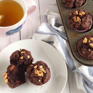 Chocolate Zucchini Muffins by @jesselwellness