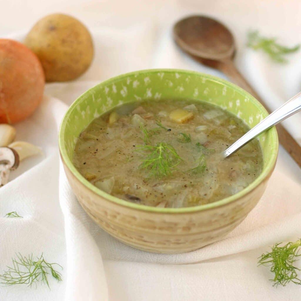 Creamy Celeriac Fennel Soup by @jesselwellness